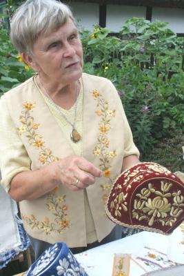 Antonina Olszewska - hafciarka z Tucholi